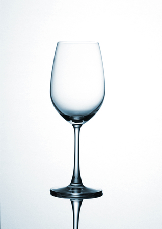 The shape of the glass affects the taste of wine is different.