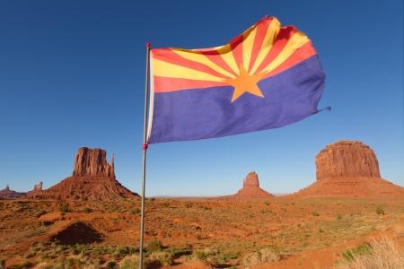 Bandera de Arizona en Monument Valley
