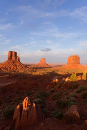 Monument Valley Stock Photo - 14161850