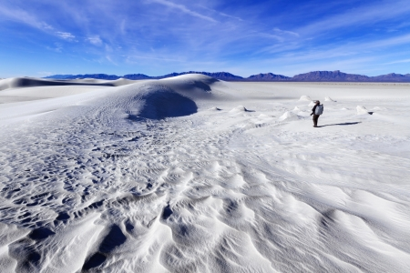 chihuahua desert: Photographer at White Sands