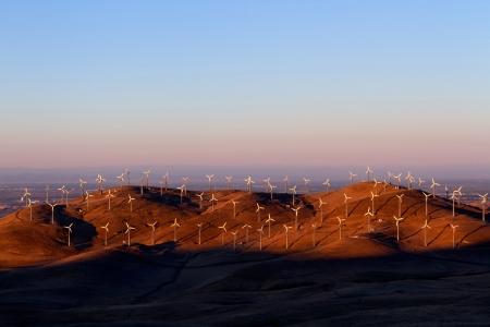 altamont pass: Wind Turbines in Altamont Pass Wind Farm at Sunset, California  Stock Photo