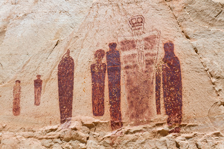 ghost rock: Holy Ghost Panel in the Great Gallery at Horseshoe Canyon. These Lifesize anthropomorphic figures are called Barrier Canyon Style. It is located in Canyonlands National Park UT.