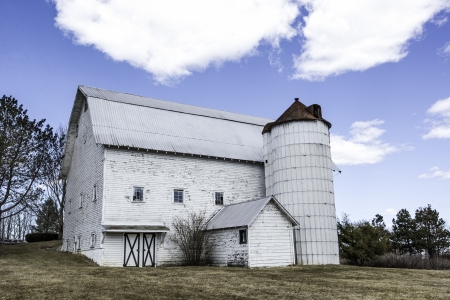 edifices: A vintage white barn in Charlton, New York
