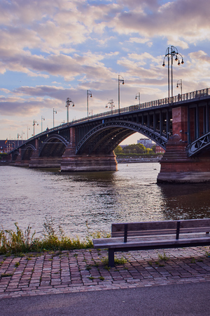 Theodor-Heuss Bridge in Mainz at dusk
