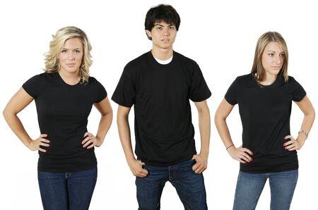 top model: Jongeren dragen lege zwarte shirts, klaar voor uw ontwerp of logo.
