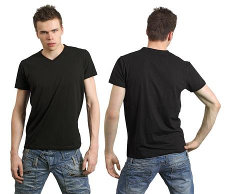 playera negra: Hombres jóvenes con camisa negra en blanco, la frente y la espalda. Listo para su diseño o logotipo.