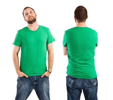 빈 녹색 셔츠, 전면 및 후면 젊은 남자. 디자인 또는 로고에 대 한 준비.