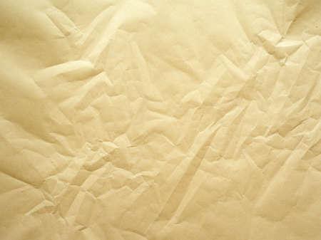paper packing: Foto de una hoja de papel de embalaje que se ha arrugado.