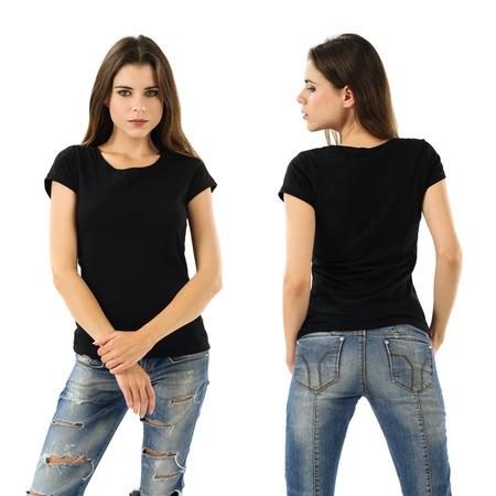 空白の黒いシャツと美しいブルネットの女性の写真。あなたのデザインやアートワークの準備ができて。