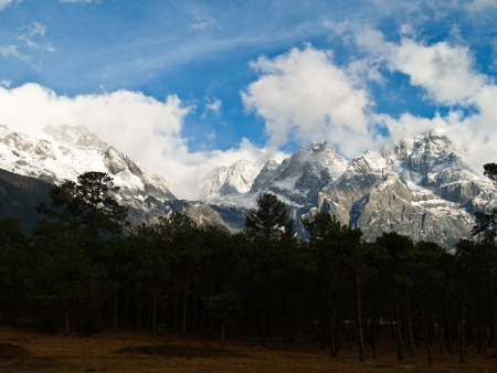 Jade Dragon Snow Mountain in LiJiang, Yunnan Province, China Stock Photo