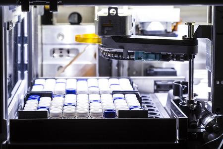 실제 실험실에서 HPLC 시스템에서 장치를 Autosampling