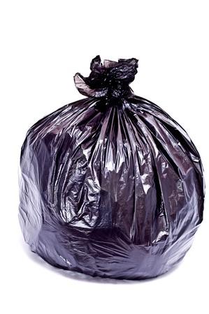 Zwarte vuilnis zak op wit wordt geïsoleerd  Stockfoto