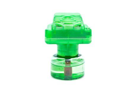fumigador: Dispositivo de insecticida aislado en un fondo blanco