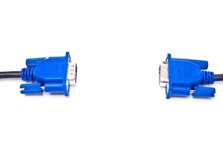 vga: Cables VGA azules aislados sobre fondo blanco