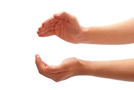 manos abiertas: Manos masculinas como si celebrar algo - abrir�n espacio entre ellos. Aislados en blanco