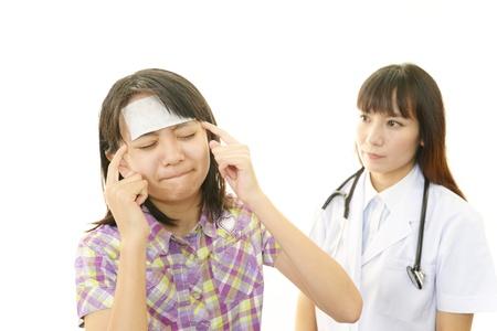 Child having physical examination Stock Photo - 27033007