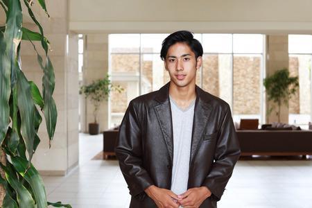 visage homme: Homme asiatique souriante