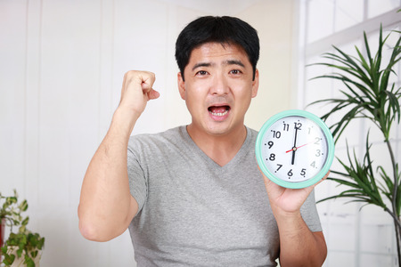日本: Smiling Asian man