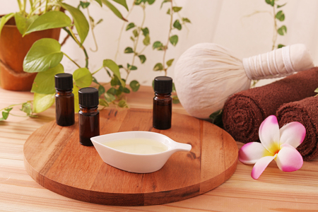 Herbal compress ball with essential oils