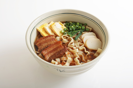 boned: Okinawan cuisine, Okinawa soba Stock Photo