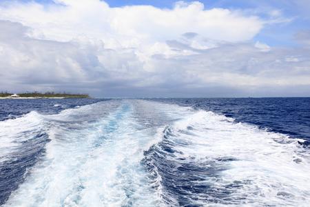 thunderhead: Blue ocean and trail