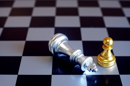 Chess board game, business competitive concept, difficult position to compete Imagens
