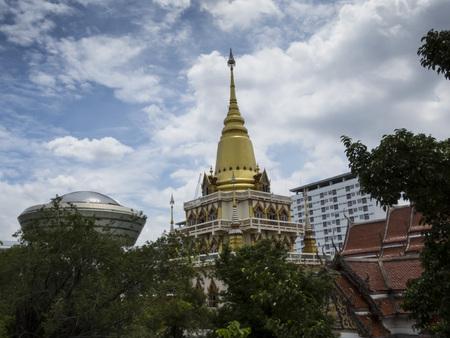 Wat Soi Thong temple and fm, Bangkok