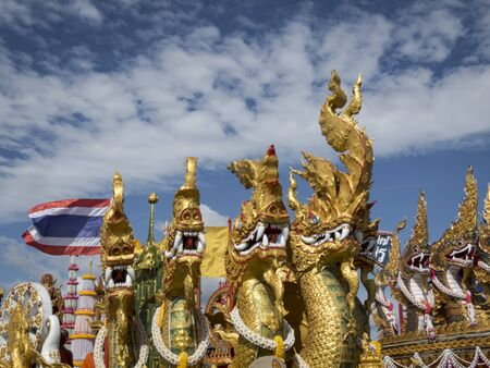decora: Thailand, Asia, Buddha, buddhist, buddhism, ancient, relion, religious, monk, faith, peace, gold, red, devotion, devoted, float, dragon, scarry, fabulous, wide angle, blue, cloud, terrible, celebration, Trang, Buddha, Thai, flag, golden, decorated, decora