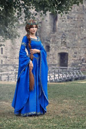 美しいアキテーヌのエレノア、公爵夫人およびイギリスおよびフランスの高い中間年齢の女王。リチャード ライオン ハートの母。