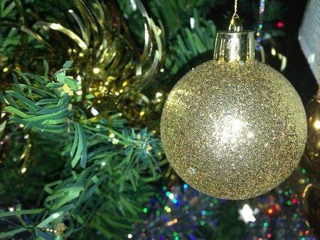 bobble: Golden bobble tree