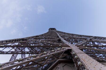 Tour Eiffel de jour comme de nuit 2019