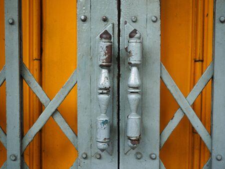 steel door: Steel door hinges