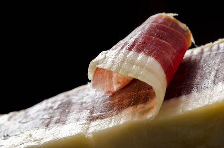 jamon: Detalle de rodajas ibérico español, jamón de bellota. Cocina gastronómica española. Foto de archivo