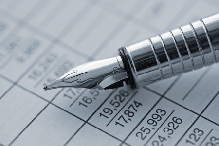 schedule reports: Pen (holder), table of data, statistics Stock Photo