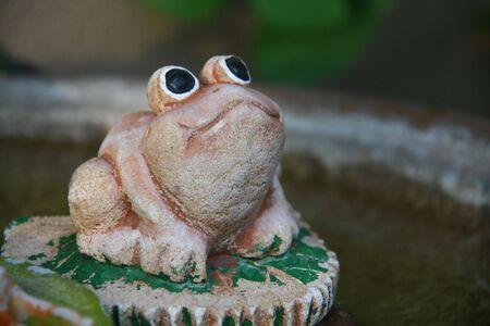 陶器のカエル 写真素材