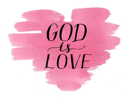 Hand belettering God is liefde op aquarel hart. Kaart. Bijbelse achtergrond. Christelijke poster. Moderne kalligrafie. Schrift wordt afgedrukt. Afbeeldingen