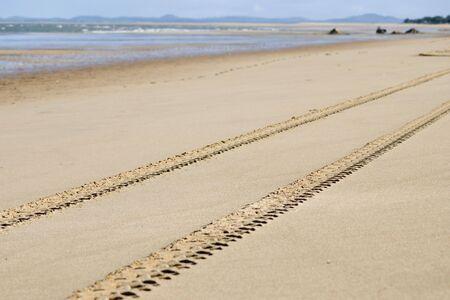 fourwheeldrive: tracks on the beach near Perth, Australia
