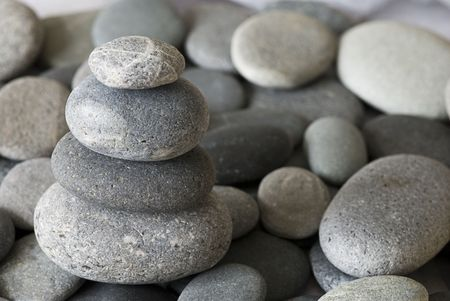 cairn: cairn made of pebble