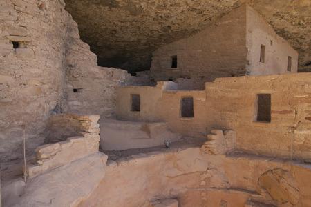トウヒの木の家、メサベルデ、コロラド州、米国の古代住居の遺跡。 写真素材 - 85827601