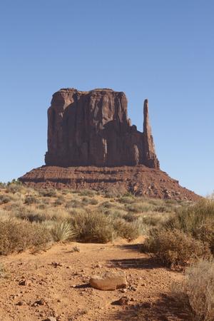 モニュメント バレー、ユタ州/アリゾナ州、米国での手。 写真素材 - 84572909