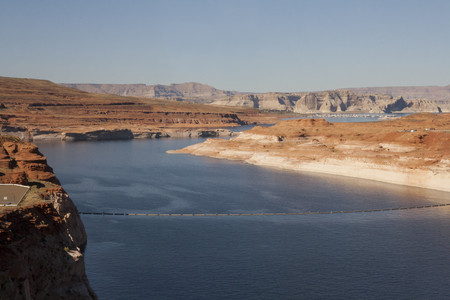 レイクパウエル谷間渓谷のダム、ページ、アリゾナ州、米国で。 写真素材