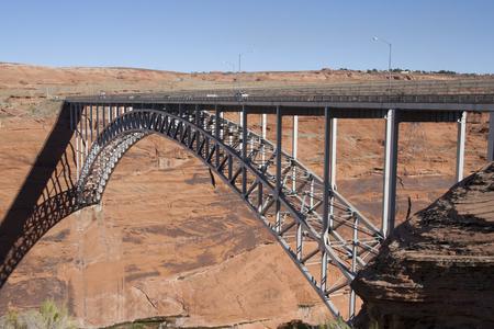 谷間渓谷のダム橋ページ、アリゾナ州、米国で。 写真素材 - 84725897