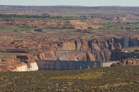 ページ、アリゾナ州、米国で谷間渓谷のダム。 写真素材