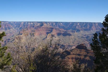 美しい崖、峡谷、グランドキャニオン国立公園、アリゾナ州、米国で谷。 写真素材 - 84790325