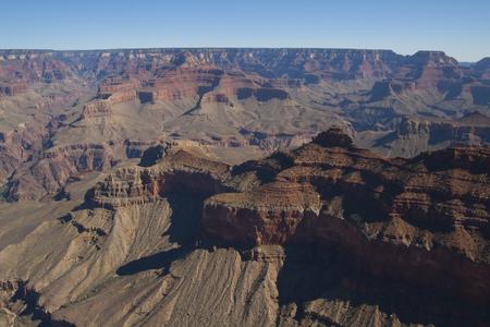 美しい崖、峡谷、グランドキャニオン国立公園、アリゾナ州、米国で谷。 写真素材 - 84791966