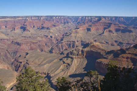 美しい崖、峡谷、グランドキャニオン国立公園、アリゾナ州、米国で谷。 写真素材 - 84791973