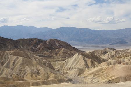 ザブリスキーポイントの美しい化石砂の砂丘、デスバレー国立公園、カリフォルニア、アメリカ。 写真素材 - 85100555