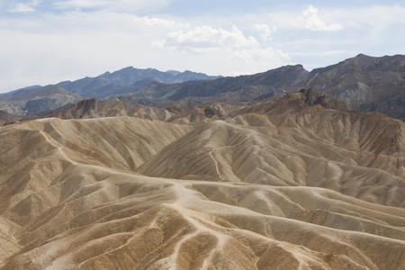 ザブリスキー ポイント、デスバレー国立公園、カリフォルニア州、アメリカの美しい化石の砂丘。 写真素材 - 85157012