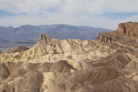 ザブリスキー ポイント、デスバレー国立公園、カリフォルニア州、アメリカの美しい化石の砂丘。 写真素材 - 85101353