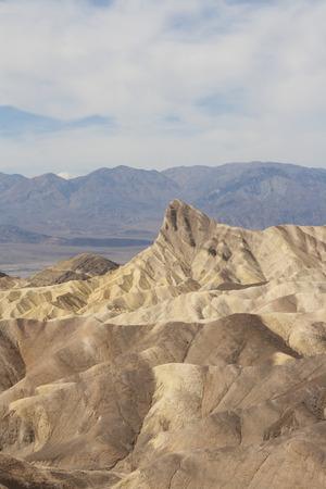 ザブリスキー ポイント、デスバレー国立公園、カリフォルニア州、アメリカの美しい化石の砂丘。 写真素材 - 85101354